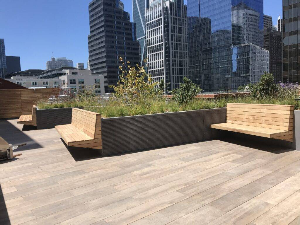 green rooftop site furnishing